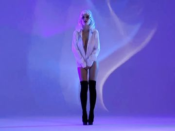 Красивая эротика от русской молодой сучки с шикарным телом